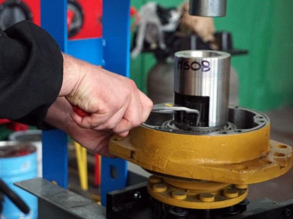 Pompe-idrauliche-cilindri-e-valvole